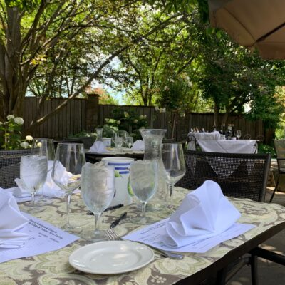 Outdoors table setting